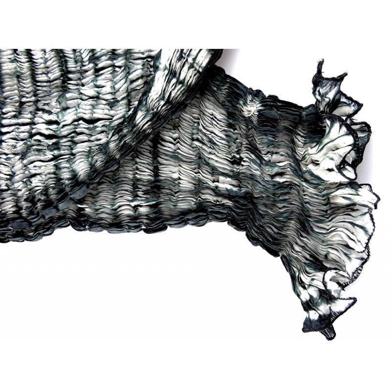... Foulard en soie Waves, noir et blanc ... 86376de18d0