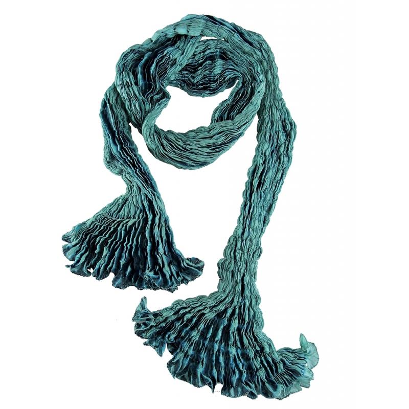 Foulard en soie Waves, emeraude et turquoise. Annulé Afficher toutes les  images e26f28c4763